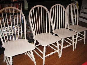 WHITE SOLID NICE WOODEN KITCHEN CHAIRS SET