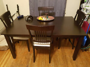 $400 obo dining room table with chairs