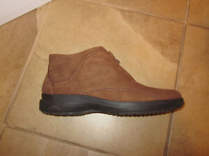 Women's fall/winter shoes size 10 London Ontario image 1