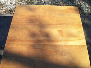 Solid Maple Table London Ontario image 2