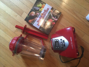 NEW Health Master Elite Blender/Juicer.
