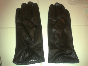 New ladies leather gloves size 7.5_price reduced