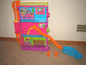 Vintage Polly Pocket Spin and Splash Hotel with Pool