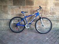 "Mens Giant Rock SE bike 26"" wheels"