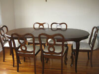 GIBBARD DINING TABLE & CHAIRS