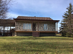 PRICED TO SELL!! Beautiful 2+2 bed in Cochrane