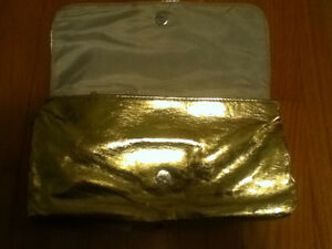 Gold Makeup Bag/Clutch Purse Oakville / Halton Region Toronto (GTA) image 3