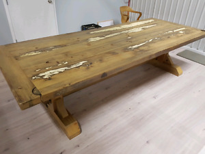 Custom Reclaimed Wood Furnishings