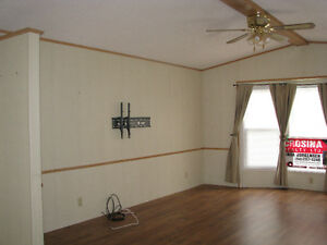 Quick and easy possession on this 3 bedroom mobile home Williams Lake Cariboo Area image 3