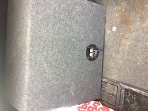 12INCH KICKER SUB and amp