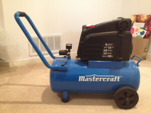 Mastercraft 8 Gallon Air Compressor, 1.5-hp