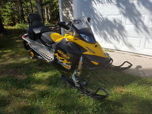 2010 Ski-Doo MX-Z Adrenaline 800cc include $ 5000.00 of Upgrades