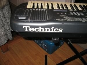 TECHNICS SX-N501 --KEY BOARD PLUS STAND