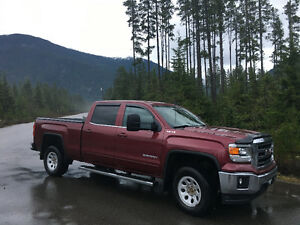 2014 GMC Sierra 1500 SEL Pickup Truck with towing pkg.
