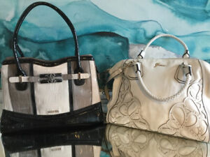 GUESS PURSES AND BAGS