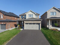 OPEN HOUSE SUN OCT 4 1-3 PM Like NEW detached 4 bedrooms house