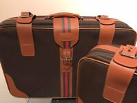 2 x USED HIS & HERS TRAVEL HAWA INTERNATIONAL SUITCASES ONLY £15.00 Delivered