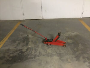 HYDRAULIC JACK AND TWO JACK STANDS