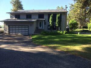 Beautiful Acreage 5 Km from city of P.A, Paved to front door,