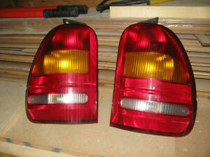 95 - 98 ford windstar tail lights