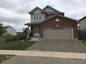 3 bdr 2.5 washrooms - 2 car garage House for rent in Waterloo