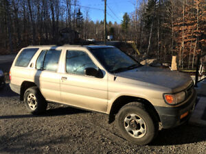 1997 Nissan Pathfinder XE Other