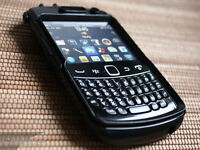 Blackberry 9360 locked to Rogers - comes with box and charger