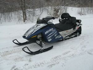Snowmobile SKI-DOO GTX 550F + Trailer & Clamps