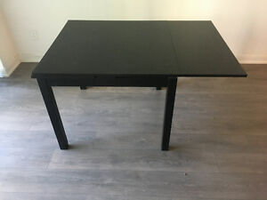 Black kitchen/dining table (wooden)