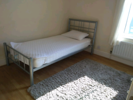 Room to let in Shared house