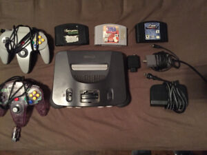 N64 Nintendo 64 with 2 controllers & 3 games