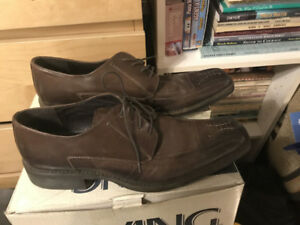 Mens leather dress shoe - size 14