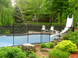 POOL SAFETY FENCE : CHILD SAFE