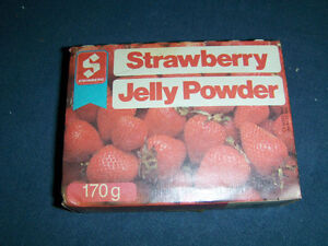 COLLECTIBLE UNOPENED STEINBERG'S STRAWBERRY JELLY POWDER