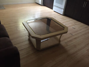 Coffee table end table and lamps Sale!