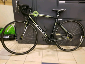 Gt racing road bike brand new condition