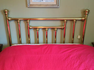 100% Solid Brass Bed (Queen) with frame West Island Greater Montréal image 5