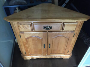 Corner cupboard-great condition!
