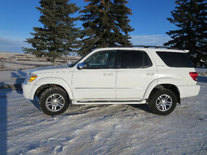 2007 Toyota Sequoia Limited SUV, Crossover