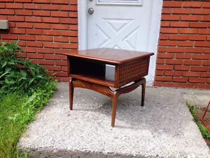 Table de Salon d'appoint Mid Century Vintage UNIQUE en Noyer