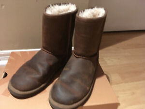 Classic short leather brown Uggs, US 3, like new