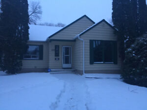 Nice River Heights Home Available! Pet friendly! 488 Ash St.