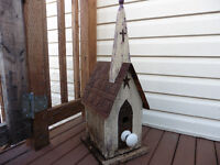 Birdhouse made of Barnboard and tin roof