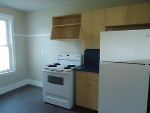 East End 2 Bedroom House Available Moose Jaw Regina Area image 3