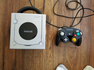 Gamecube with controller, game, all hookups