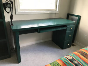 2 sets of bedroom furniture