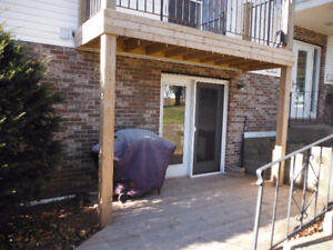 Large 2-bdrm apt at ground level NO STAIRS-SUITABLE FOR SENIORS