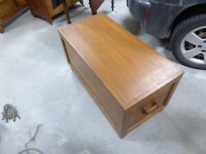 antique hope chest / trunk / coffee table ?