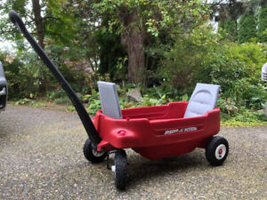 Radio Flyer Deluxe All Terrain wagon