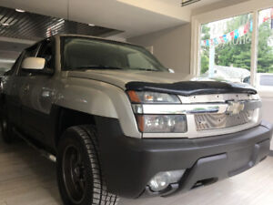 2004 Chevrolet Avalanche 4X4 **Cleanest in Canada**